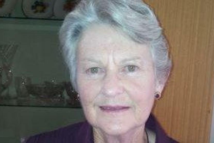 Anne Cameron (79)