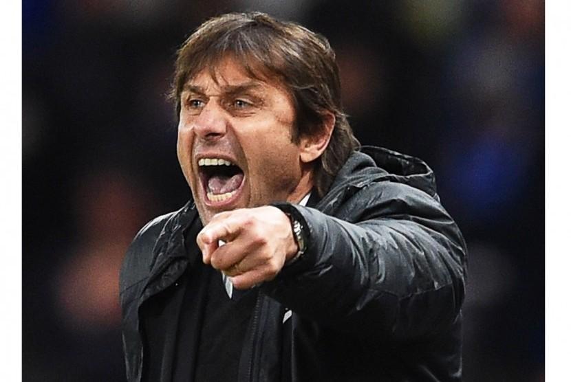 Conte tidak Peduli Jika Chelsea Bertemu Barcelona atau PSG