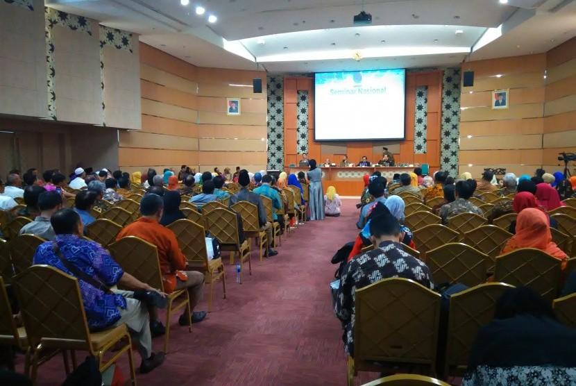 APPERTI menyelenggarakan seminar nasional did kampus Yarsi Jakarta.