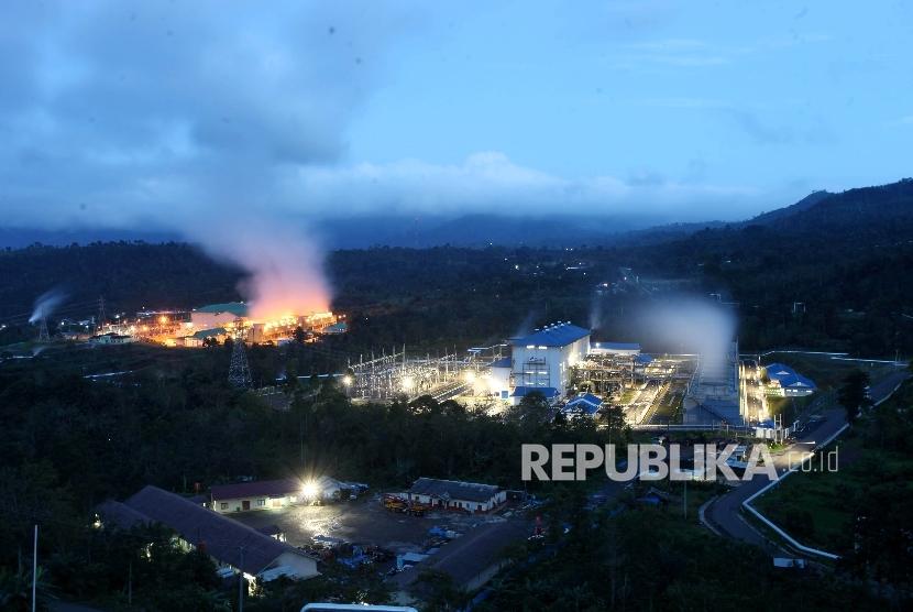 Area Pembangkit Listrik Tenaga Panas Bumi (PLTP) Ulubelu Unit 3 dan 4, Tanggamus, lampung, Jumat (16/6).