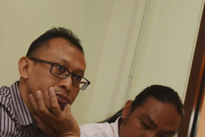 Arif Susanto (kiri)