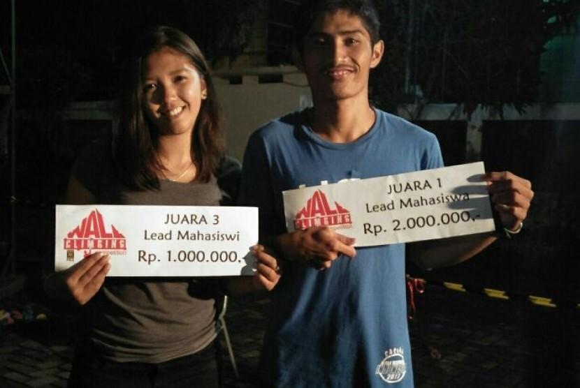 Atlet AKOM BSI Jakarta berhasil meraih prestasi di Kejuaran Wall Climbing Tingkat Nasional.
