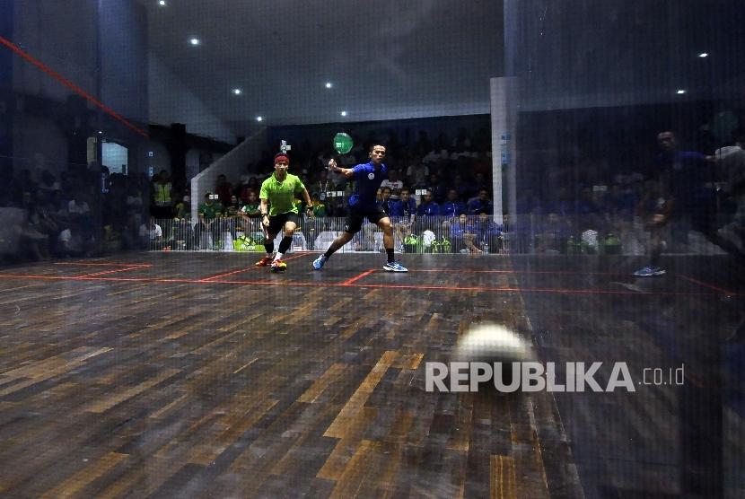 Cabang squash saat dipertandingkan pada PON XIX 2016 di Jawa Barat. Cabang ini kemungkinan tidak dimainkan pada Asian Games 2018.