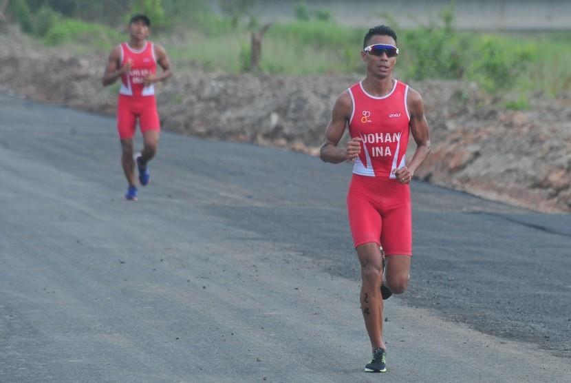 Atlet triatlon Indonesia asal Sumatra Selatan, Jauhari Johan.