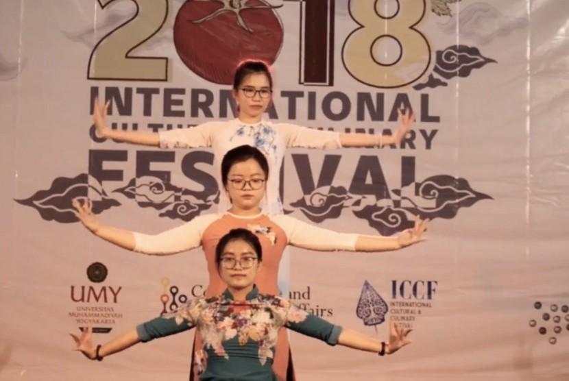Ajang Pengenalan Budaya 20 Negara di UMY