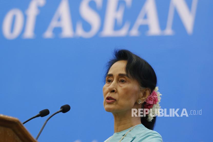 Suu Kyi Bentuk Komite Persatuan untuk Rohingya