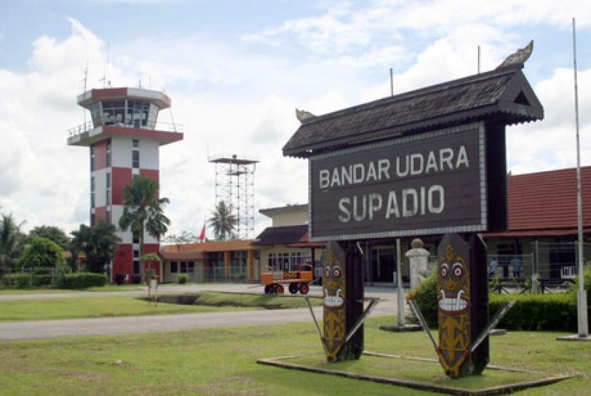 Bandara Supadio, Pontianak, Kalimantan Barat.