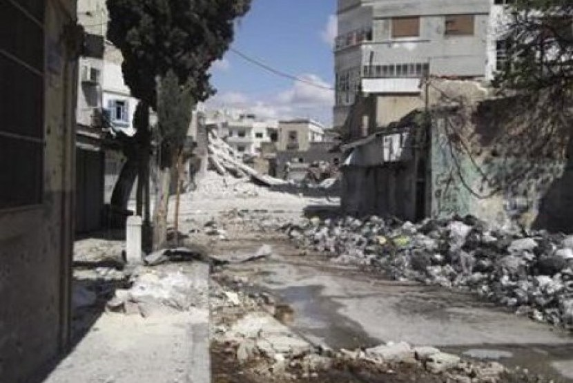 Bangunan rusak dan hancur akibat diserang militer Suriah