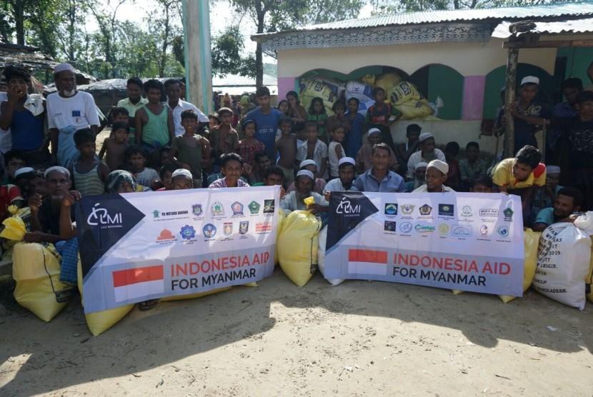 Bantuan Laznas LMI untuk Rohingya.