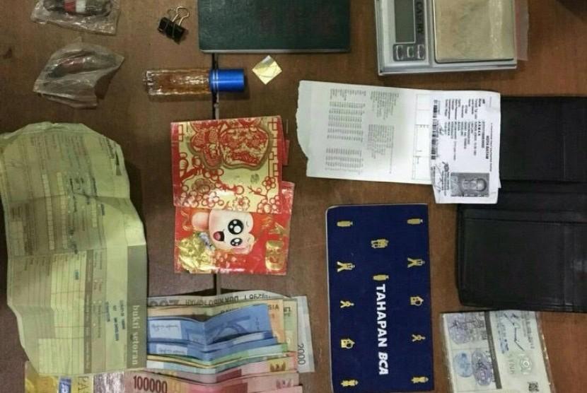 Barang bukti penyelundupan narkotika yang digagalkan Bea Cukai Entikong
