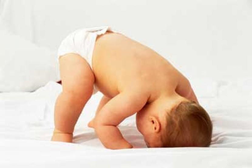 Bayi pakai popok