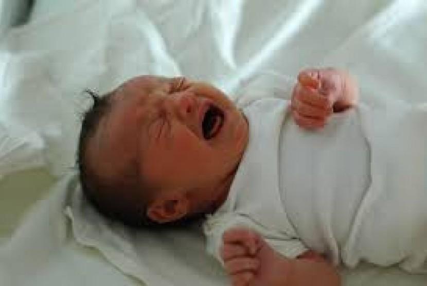 Bayi Anda Sering Batuk di Malam Hari? Pelajari Hal Ini