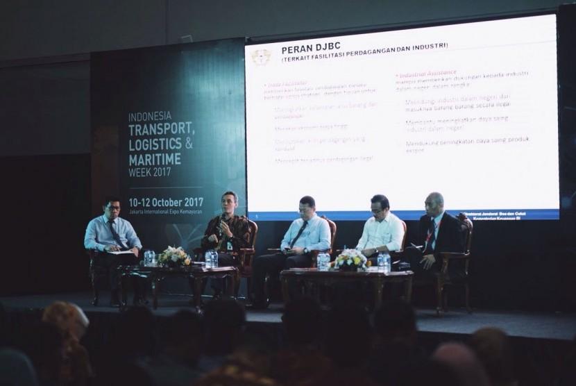 Bea Cukai menggelar Jakarta International Logistics Summit and Expo (JILSE) Forum 2017.