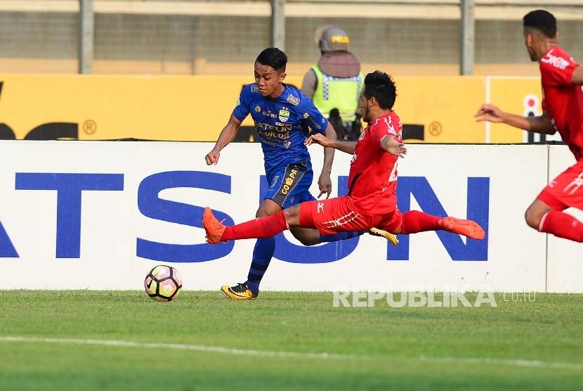 Bek Semen Padang Gabung Sriwijaya FC