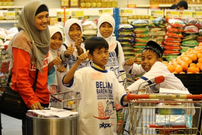 Belanja dan Wisata Anak Yatim bareng PKPU