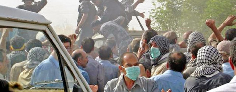 Bentrok di Kamp Ashraf Irak menewaskan ratusan warga.