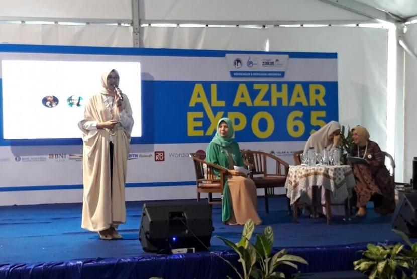 Berbagai kegiatan memeriahkan Al Azhar Expo mulai dari talkshow kecantikan, bazaar makanan sampai pameran replika peninggalan Rasul. Sabtu (8/6).