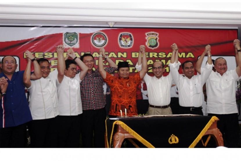 Bersama 5 Pasangan Kandidat, Hidayat-Didik Sepakati Pemilukada Damai
