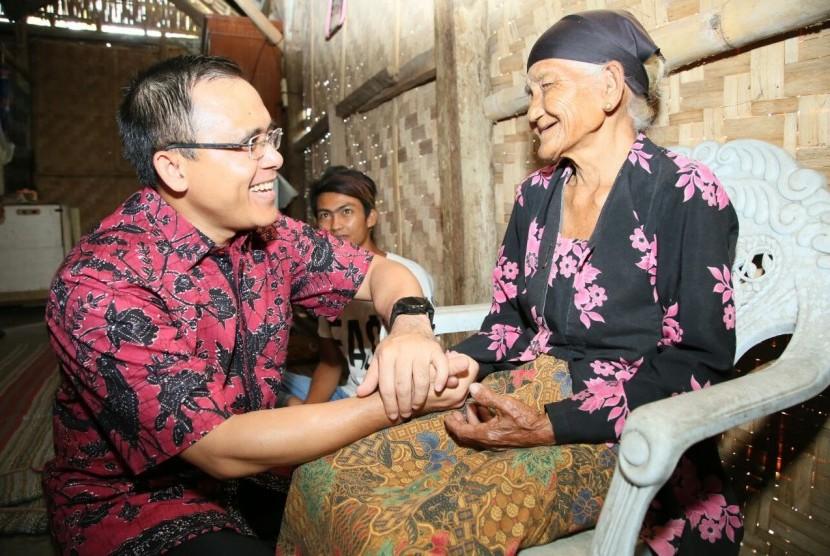 Bupati Anas Cek Program Jemput Bola Warga Sakit