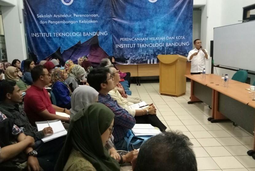Azwar Anas Paparkan Pengalaman Bangun Banyuwangi di ITB