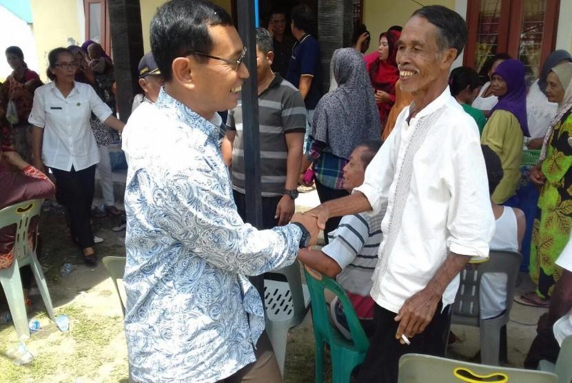 Ditolak KPU Sumut, JR Saragih Temani Ance Lengkapi Berkas