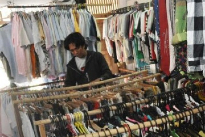 Bursa pakaian bekas
