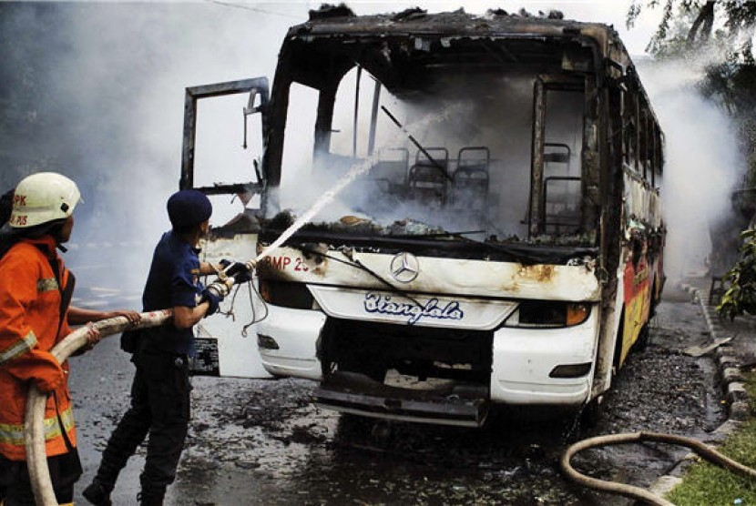 Bus Budiman Ludes Terbakar, Seluruh Penumpang Selamat