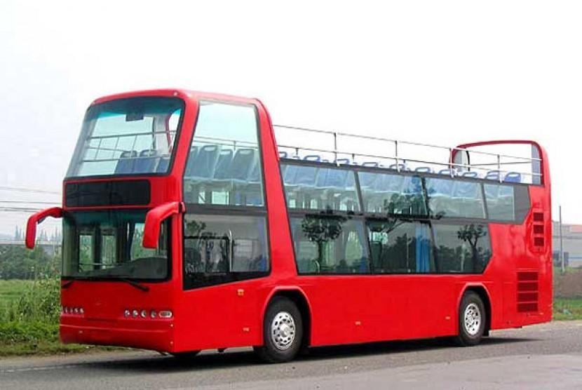 Bus tingkat untuk wisata kota.  (ilustrasi)