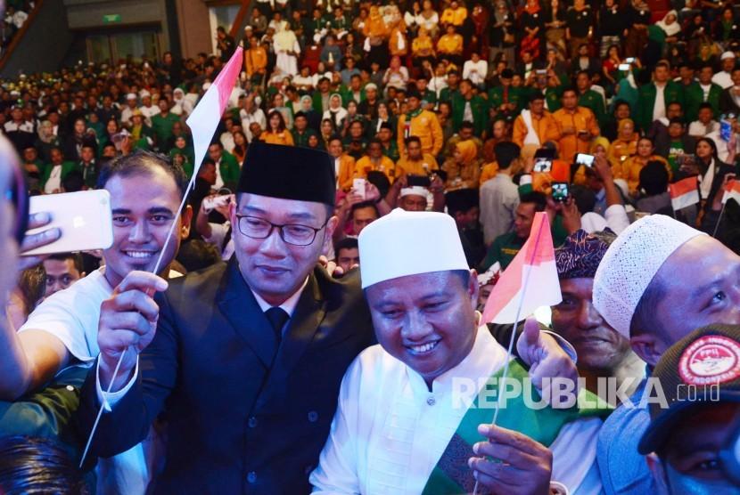 Calon Gubernur dan Wakil Gubernur Jawa Barat Ridwan Kamil dan UU Ruzhanul Ulum