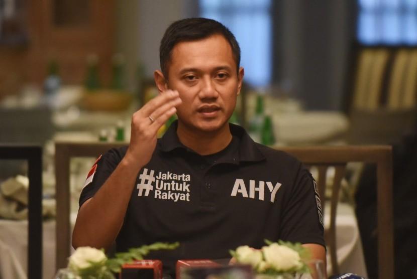 Hasil gambar untuk agus yudhoyono