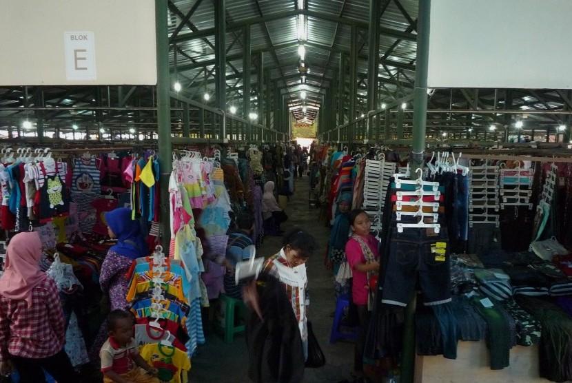 Pasar Klewer Timur Mulai Dibongkar