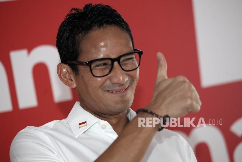 Calon Wakil Gubernur DKI Jakarta Sandiaga Uno saat menghadiri peluncuran logo kampanye Salam Bersama di Jakarta, Kamis (20/10).
