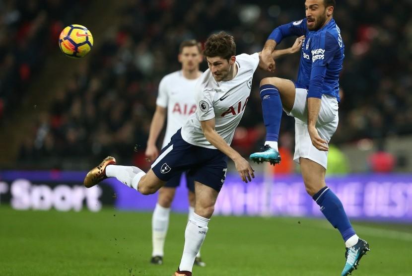 Cenk Tosun Senang Walcott Gabung Everton