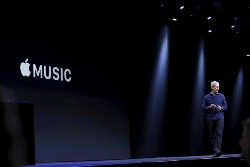CEO Apple Tim Cooks memperkenalkan layanan terbaru Apple yakni Apple Music, layanan ini disebut sebagai revolusi baru di dunia musik dan teknologi.