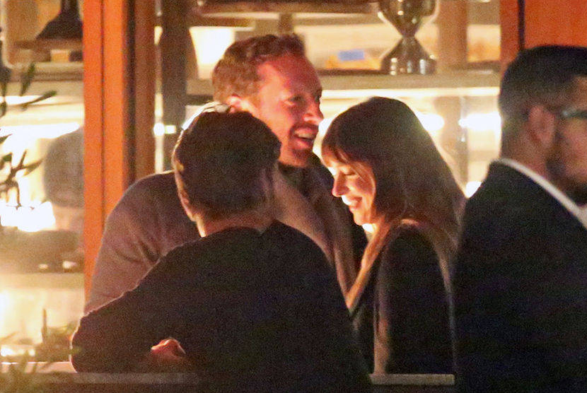 Dakota Johnson dan Chris Martin Makan Malam Bareng