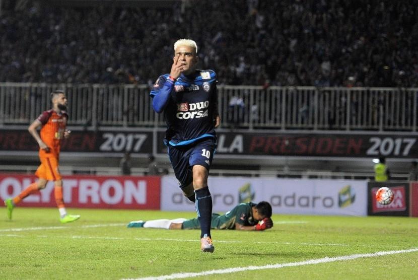 Cristian Gonzales, top skorer Piala Presiden 2017 dengan 11 gol.