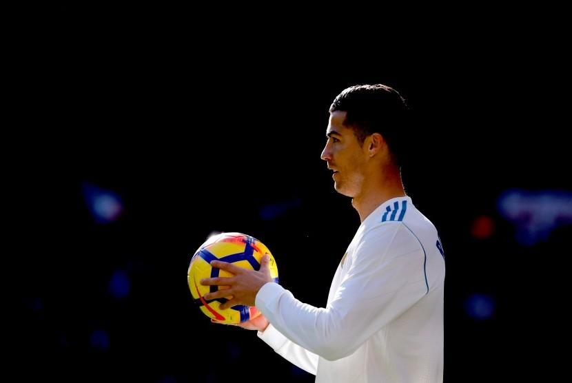 Ronaldo Dilaporkan Ingin Tinggalkan Madrid