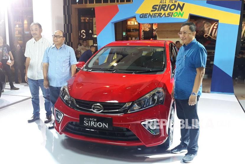 Daihatsu meluncurkan generasi ke-3 seri Siroin, All New Sirion, di Jakarta, Selasa (13/2).