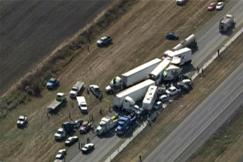 Enam Orang Tewas Dalam Kecelakaan Beruntun di Inggris