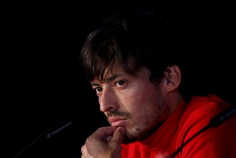 Guardiola: David Silva Masih Absen karena Masalah Keluarga