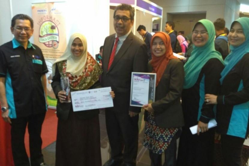 Delegasi UMM meraih prestasi di ajang IIDEX 2017.