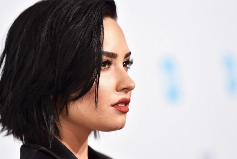 Obat Terlarang Nyaris Bunuh Demi Lovato