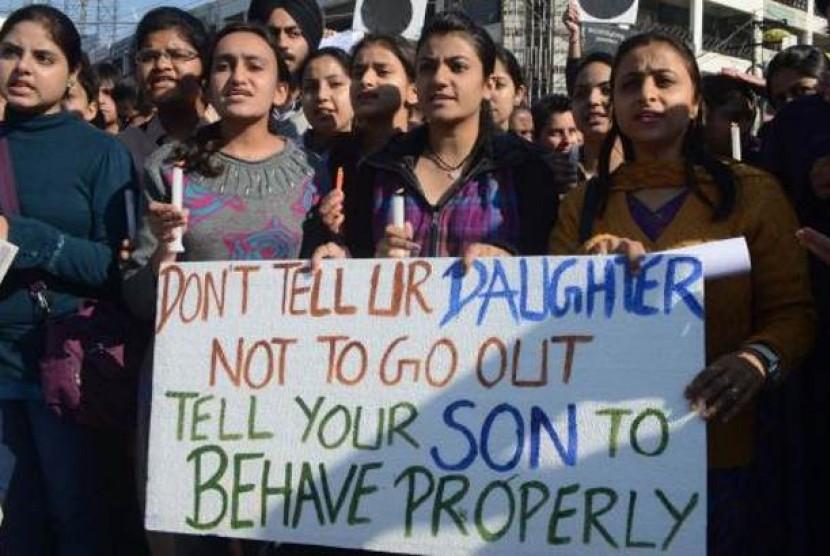 Demonstrasi menentang kejahatan pemerkosaan di India. Angka pemerkosaan di negara itu melonjak 900 persen dalam empat dekade.