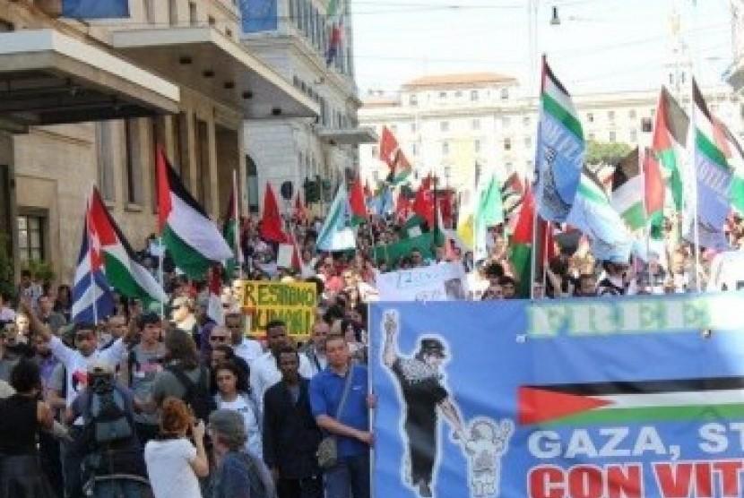 Demontrasi warga Italia yang mendukung Palestina (Ilustrasi)