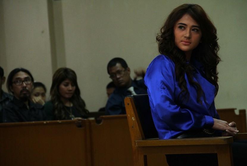 Polisi akan Hadapkan Dewi Perssik dengan Petugas TJ