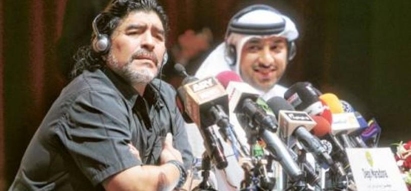 Diego Maradona saat jumpa pers di Dubai