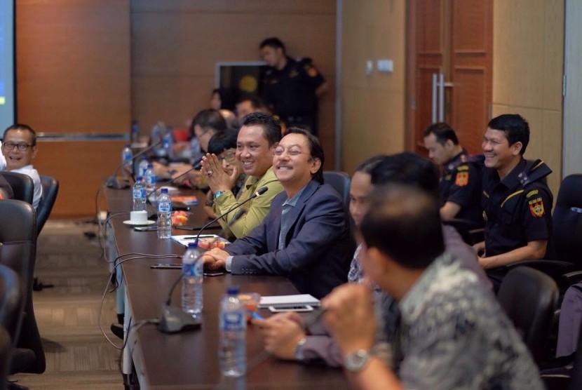 Direktur Jenderal Bea dan Cukai, Heru Pambudi mengundang Anggota Forum Supply Chain Indonesia dalam acara Breakfast Meeting di Kantor Pusat Bea Cukai, Selasa (8/8).