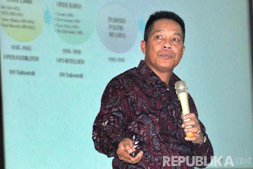 Direktur Pencegahan Badan Nasional Penanggulangan Teroris (BNPT), Brigjen Pol Hamidin meyampaikan paparannya pada Dialog Pencegahan Faham Radikal Terorisme dan ISIS bagi Pemuda Ansor se- Jawa Tengah di Balai Diponegoro, Semarang, Kamis (28/4).