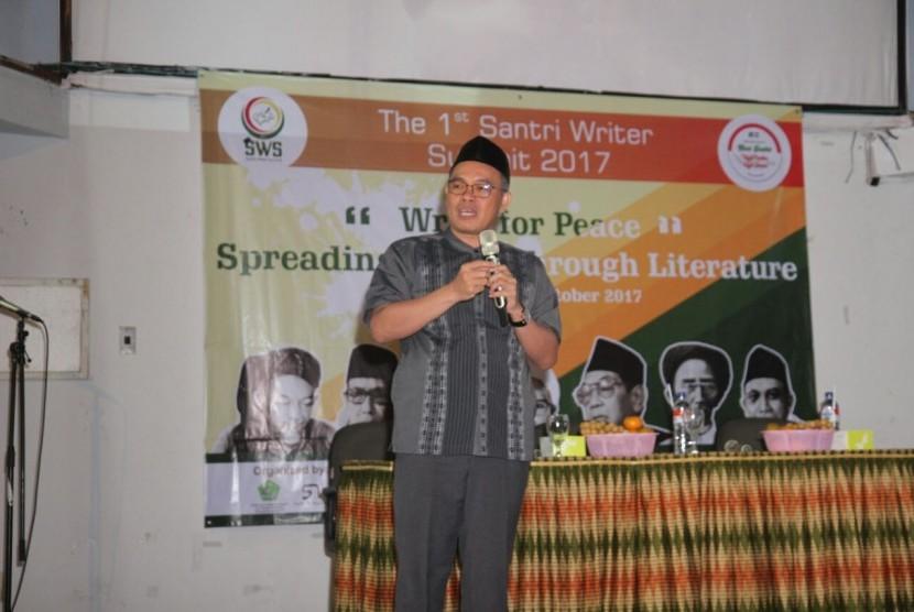 Direktur Pendidikan Diniyah dan Pondok Pesantren Kemenag Dr H Ahmad Zayadi MPd.