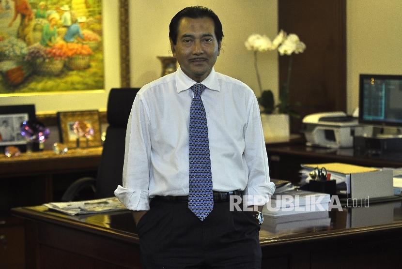 Direktur Utama Bank BRI Suprajarto berfoto seusai wawancara di Kantor Pusat BRI Gedung 1, Jakarta, Kamis (20/7).
